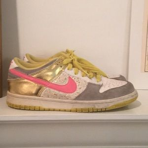 NIKE 2008 GOLD PINK YELLOW SNEAKERS RARE SZ 7